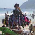 Marchand de bikinis à Rio de Janeiro