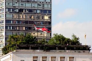 Helicoptero_sobre_a_prefeitura_de_São_Paulo